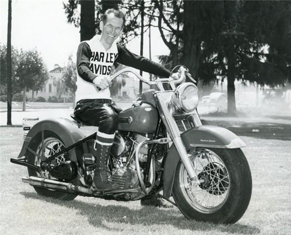 Pull Harley Vintage - Page 2 Larry_10