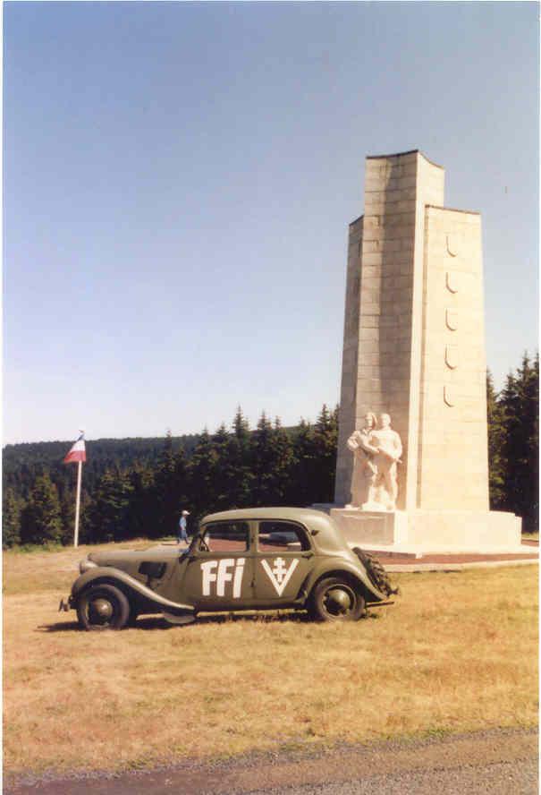 LE MONUMENT NATIONAL DU MONT-MOUCHET ET SON MUSEE Tracti14