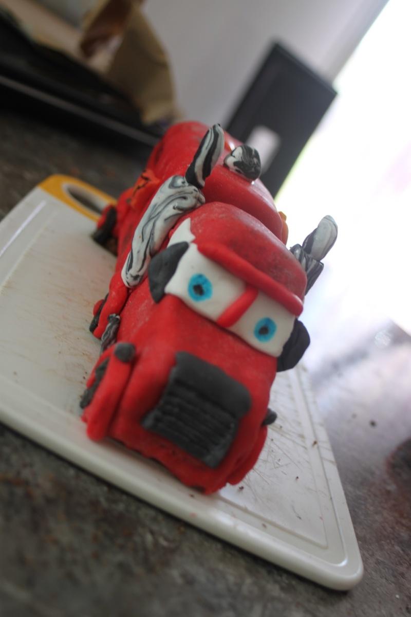 Cars quatre roues : Flash McQueen et ses amis - Page 7 Img_8612