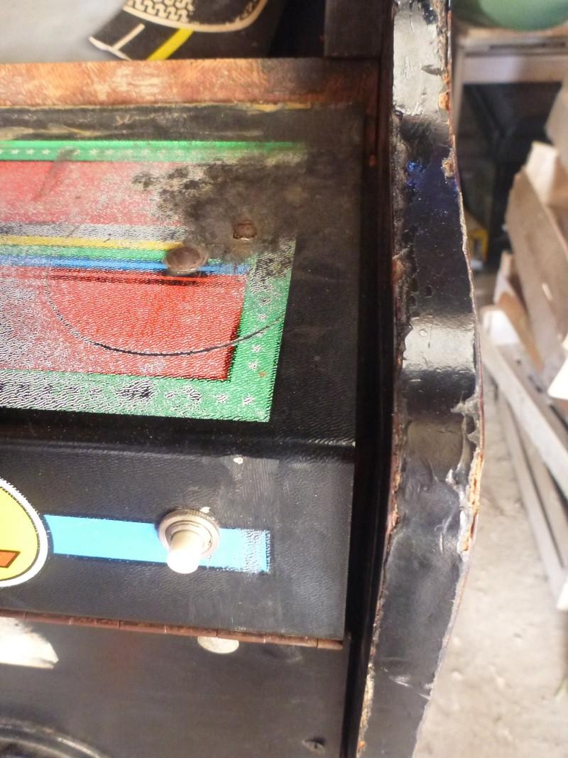 une borne jeutel récupérer en mauvais état  P1010716