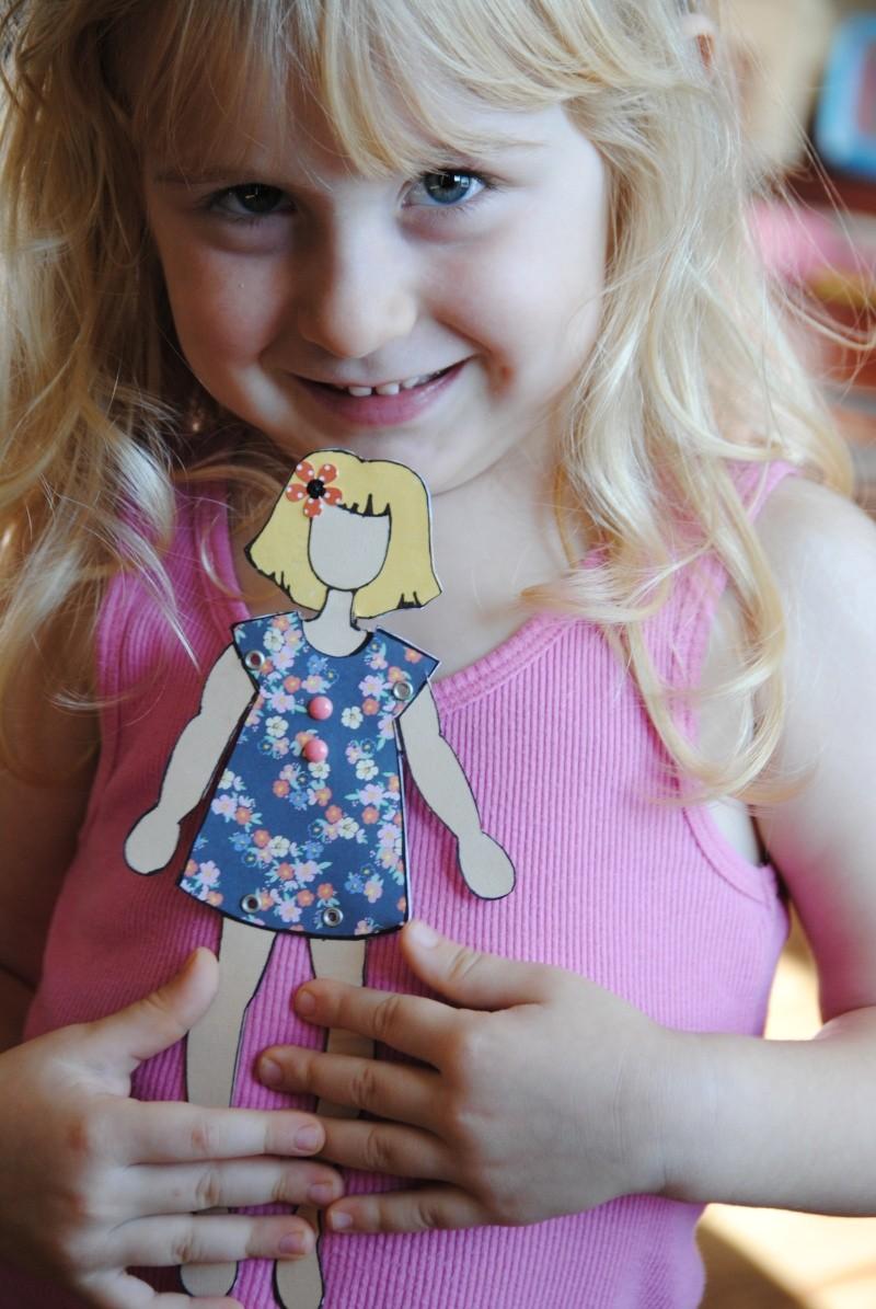 produit vedette; stencil de poupée  Dsc_0612