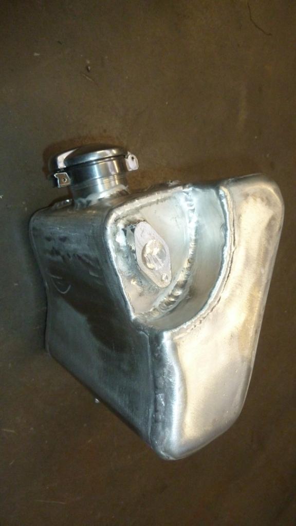 Reservoir huile Daytona  P1070812