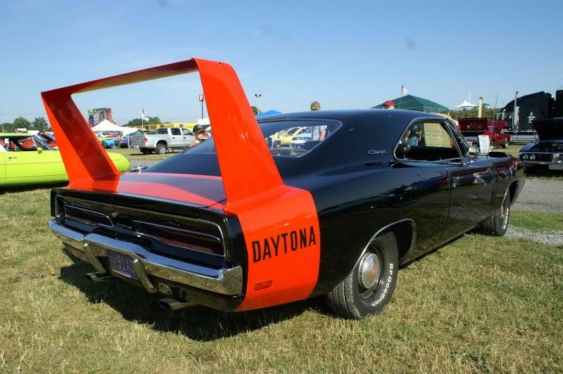 Black '69 Daytona (Revell) 1969-d11