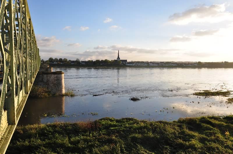 Ballade le long du Canal d'Orléans et Chateau Sully sur Loire 12_dsc10