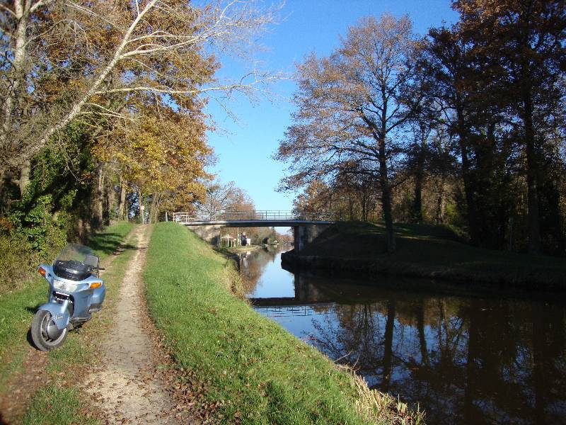 Ballade le long du Canal d'Orléans et Chateau Sully sur Loire 1_dsc010