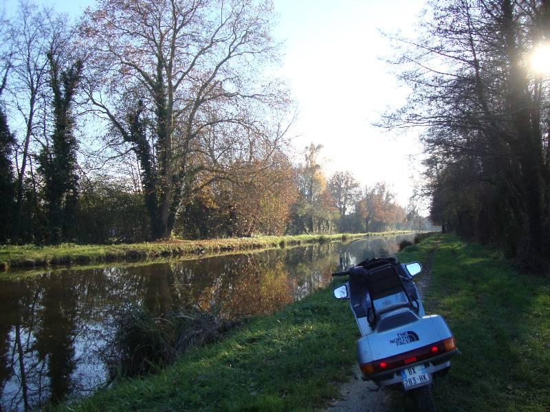 Ballade le long du Canal d'Orléans et Chateau Sully sur Loire 3_dsc010