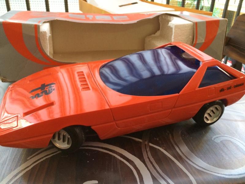 Rarissimo modello di Alfa Romeo Caimano anni 70 prezzo 89 spedito ! a batterie, funzionante Foto_123
