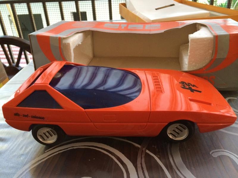 Rarissimo modello di Alfa Romeo Caimano anni 70 prezzo 89 spedito ! a batterie, funzionante Foto_124