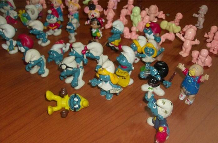 Puffi , Topo Gigio, Pinocchio Paciocchini , Cabbage , lotto di 64 pezzi anni 60 70 e 80 loose !! Hpim5032