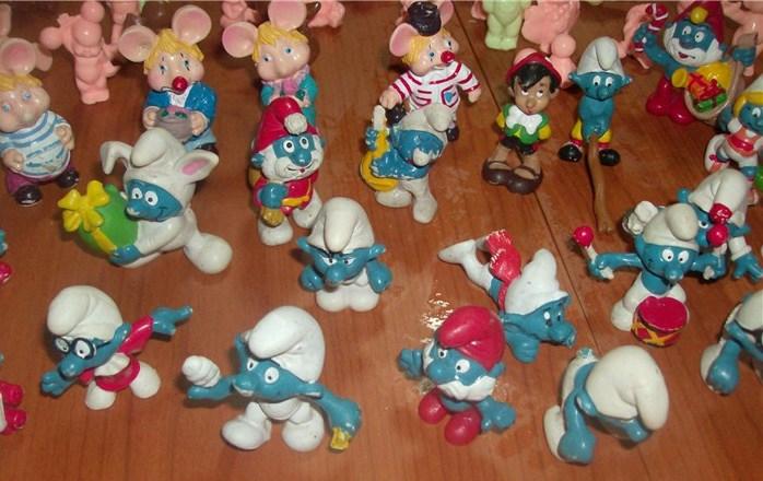 Puffi , Topo Gigio, Pinocchio Paciocchini , Cabbage , lotto di 64 pezzi anni 60 70 e 80 loose !! Hpim5033