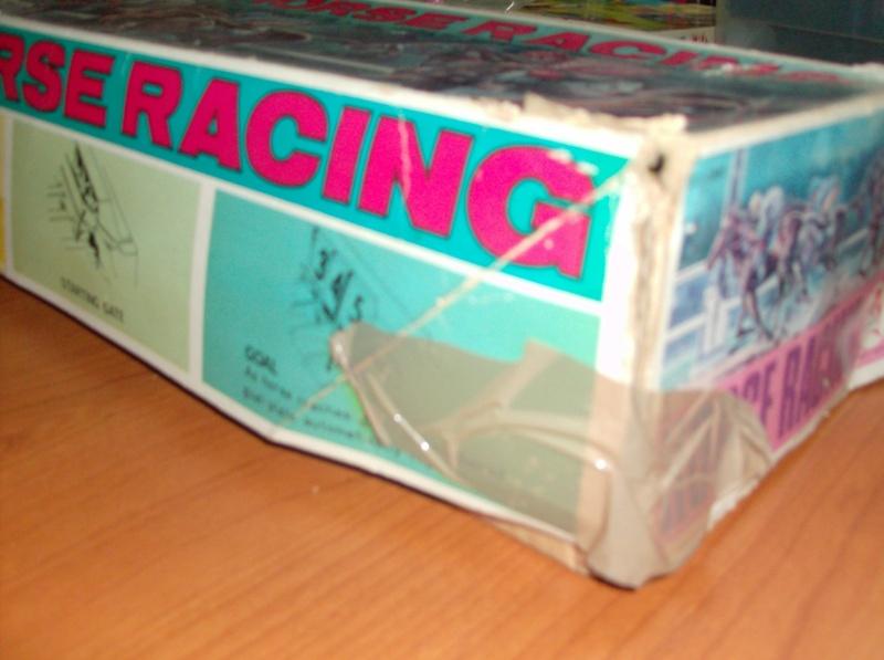 Giocattoli vecchi anni 50 60 70 Horse Racing 1979 corsa di cavalli usata ma funzionante  Hpim5415