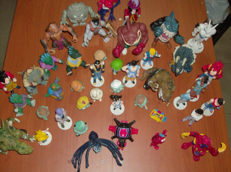 Lotto di oltre 40 Action figure varie anni 80 90 , Dragon Ball , Street Shark Dinosauri Dinosaurs Sinclair Disney ecc ecc ecc Hpim5752