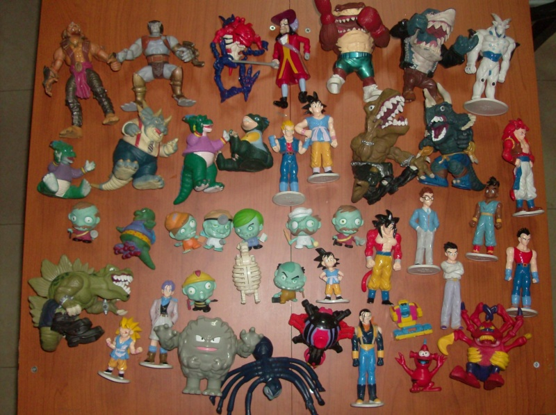 Lotto di oltre 40 Action figure varie anni 80 90 , Dragon Ball , Street Shark Dinosauri Dinosaurs Sinclair Disney ecc ecc ecc Hpim5753