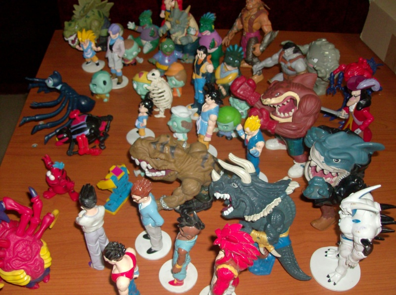 Lotto di oltre 40 Action figure varie anni 80 90 , Dragon Ball , Street Shark Dinosauri Dinosaurs Sinclair Disney ecc ecc ecc Hpim5754