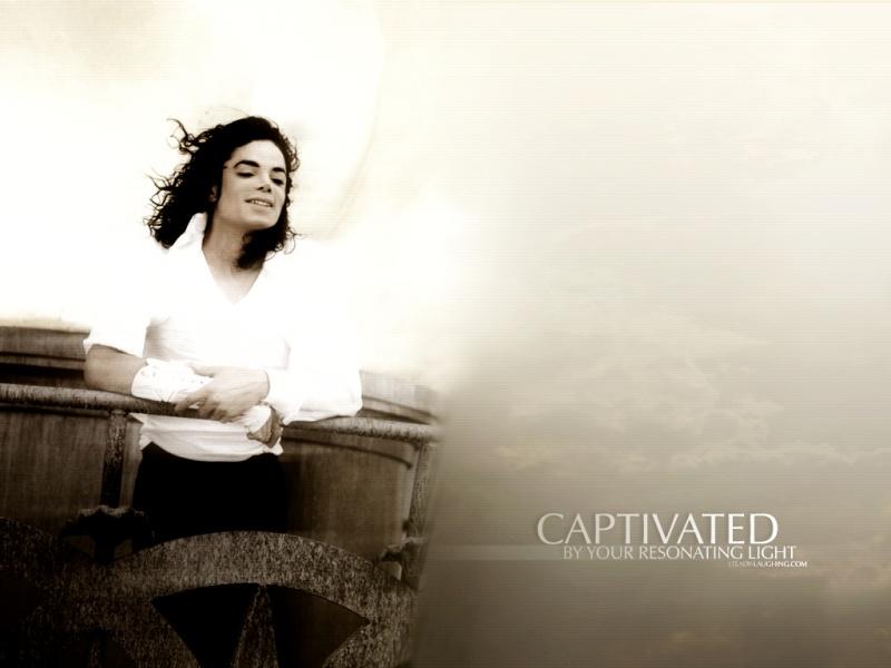 Quale foto di Michael usate per il desktop? Wall3710
