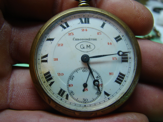 sur l'établit un chronomètre b.m très très malade  Dsc06448