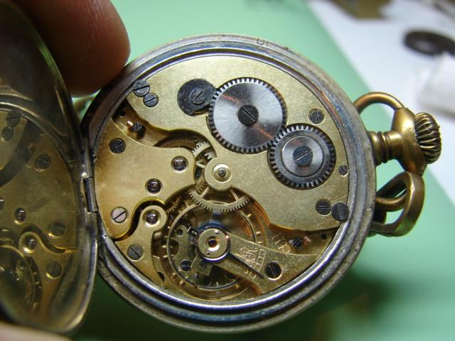 sur l'établit un chronomètre b.m très très malade  Dsc06449