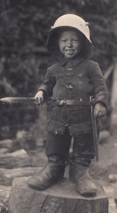 Enfants dans la guerre - Page 3 14267610