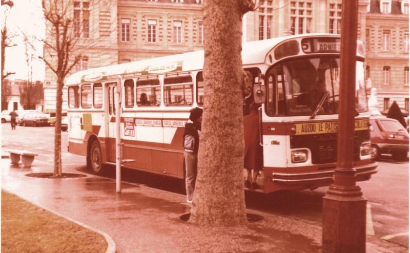 Photos et vidéos des bus d'Ebroïciens 3-79-s11