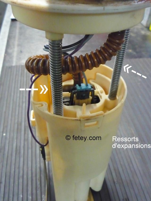 Pompe à essence d'une Venture démontée P1080312