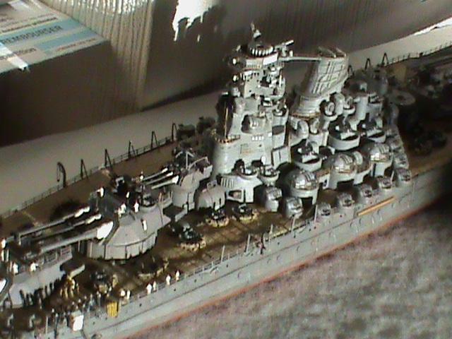 Yamato 1/700 Tamiya - Page 4 Dsc00017