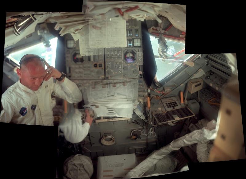 Photo de l'intérieur du LM Aigle, d'Apollo 11 As11-310