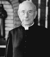Franc-maçonnerie infiltre Eglise Catholique - Mr Fellay Na24fo10