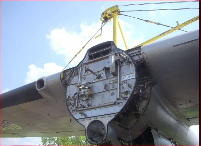 Noratlas n° 105 - toujours en service au 10 avril 2011 - Page 3 Captur17