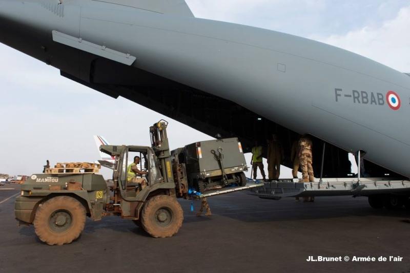 La première mission opérationnelle de l'A400M Photo_11