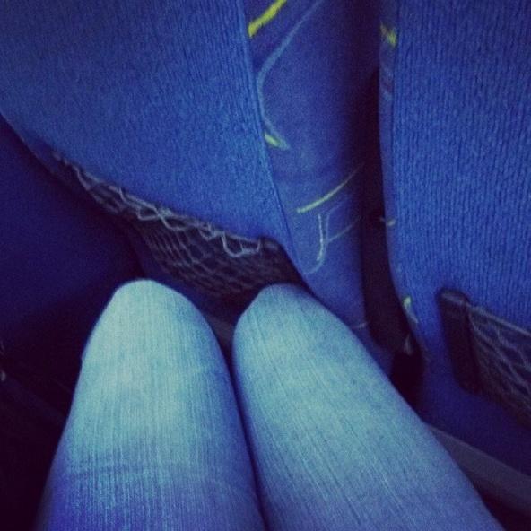 Chỉ những cô gái chân dài mới hiểu  C11-4910