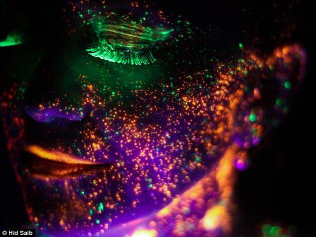 Những bức ảnh đẹp kỳ ảo dưới đèn cực tím Nhung_11