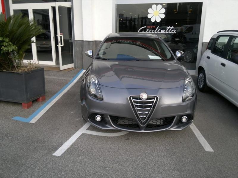 Nuova auto 98360410