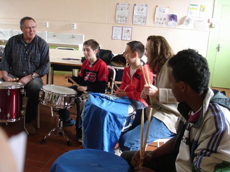 Ecole de musique - Gérard Macé a invité ses éléves à un après-midi batterie Dsc00311