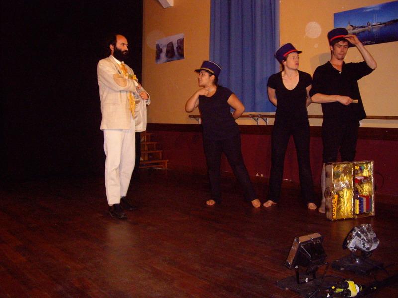 Théâtre en avant-première à Brasparts, vendredi 25 octobre à 20h30 Imgp5214