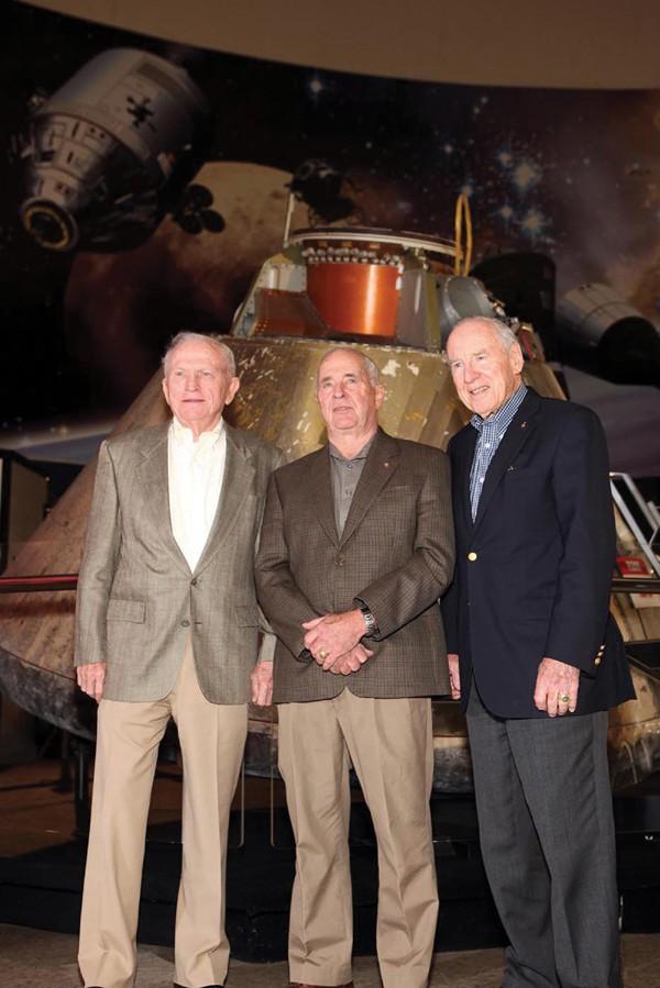 Apollo 8 il y a 45 ans... 09010010