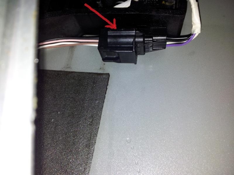 [Tuto] Démontage panneau de porte et remplacement serrure  20131131