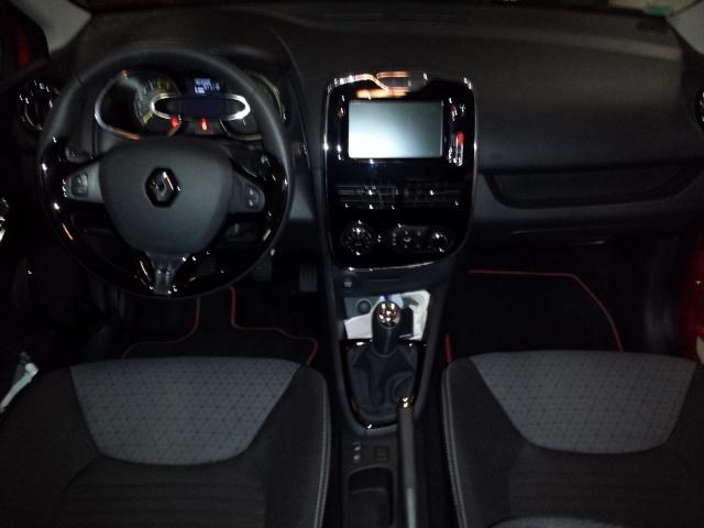 [jblag] Clio IV Rouge flamme dynamique 0.9 tCe 90 20140337