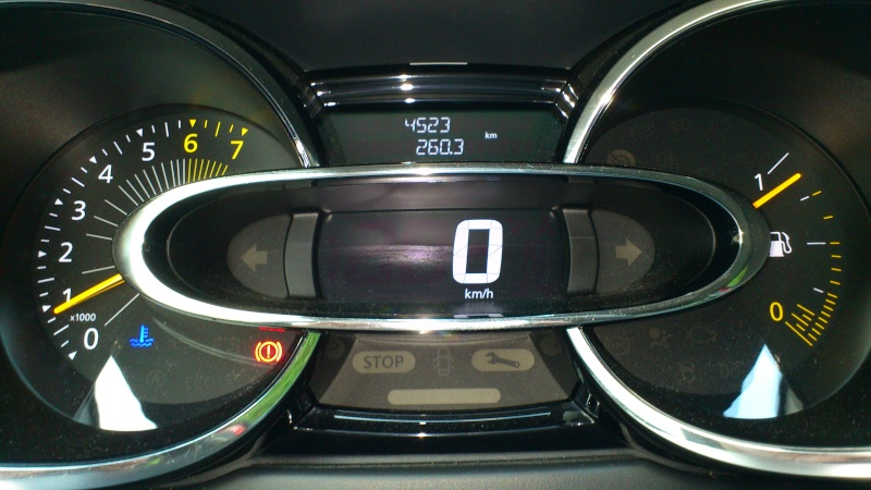 [jblag] Clio IV Rouge flamme dynamique 0.9 tCe 90 Clio_710