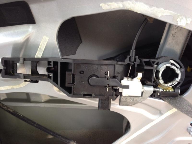 [Tuto] Démontage panneau de porte et remplacement serrure  Module10