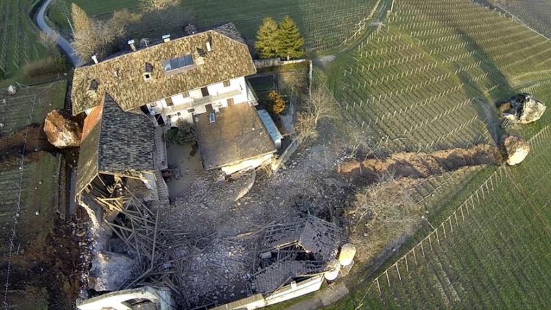 [Italie] Eboulement de Termeno sulla Strada del Vino Eboule11