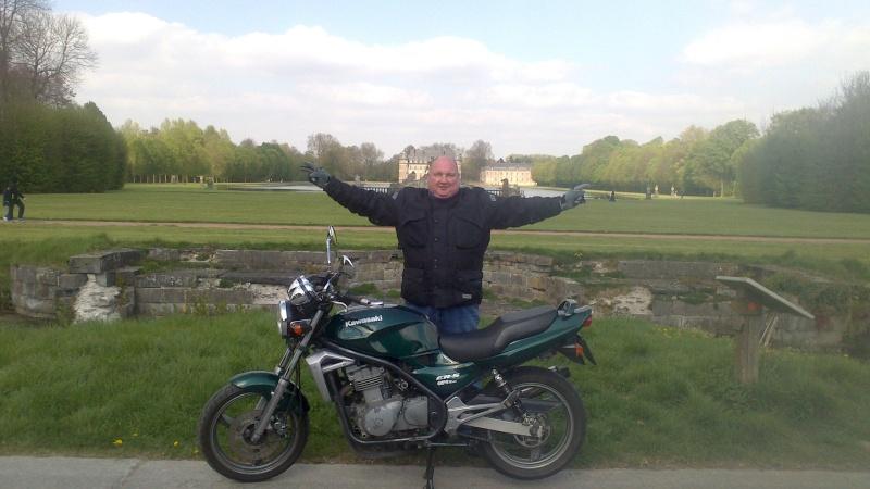 Photos de vous et de votre moto devant ....un château  - Page 6 Dsc_0012