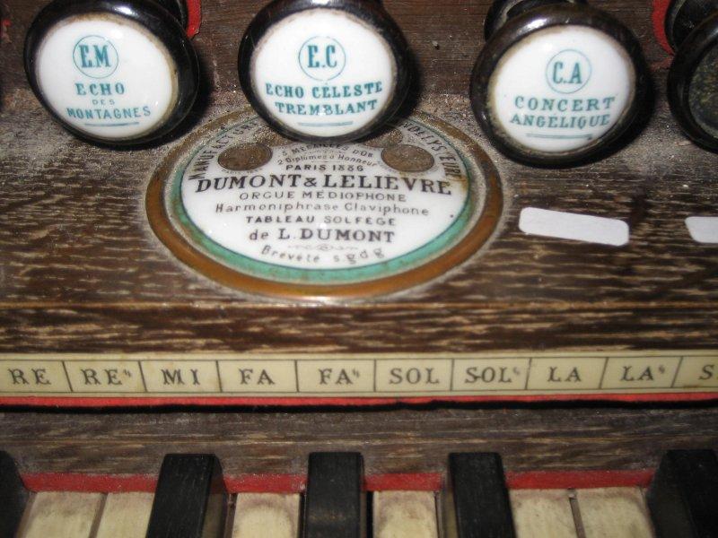 Harmonium Dumont à buffet rehaussé - Eglise de Sciez Imgr_211