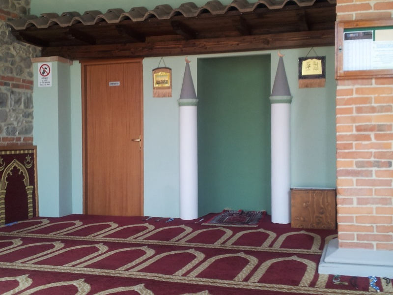 [Teme Islame]---Dersi i Xhumas--Vlera e dhjetë ditëve të Dhulhixhes më me vlerë se  Xhihadi në rugën e Allahut 20130510