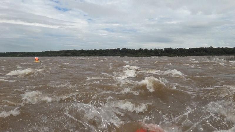 Kayakeada en Río Uruguay. Adrenalina pura...!!! Hv4q10