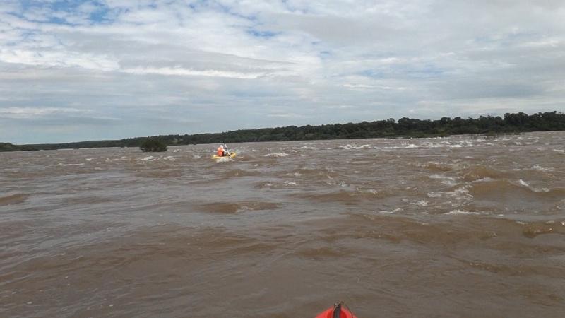 Kayakeada en Río Uruguay. Adrenalina pura...!!! Je1210