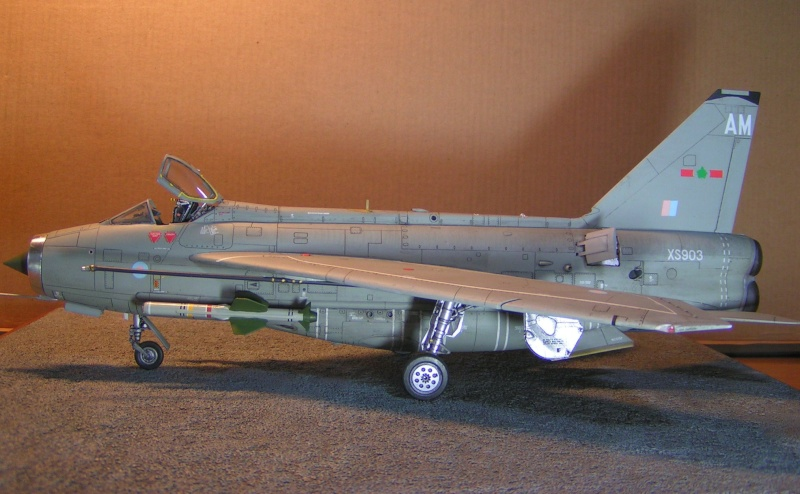 EE Lightning F-6 - Page 2 Ee_lig10