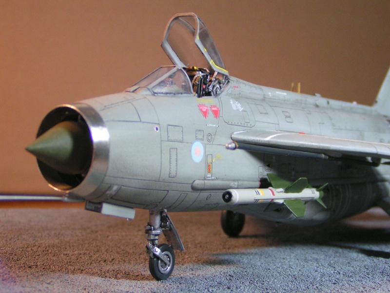 EE Lightning F-6 - Page 2 Ee_lig18