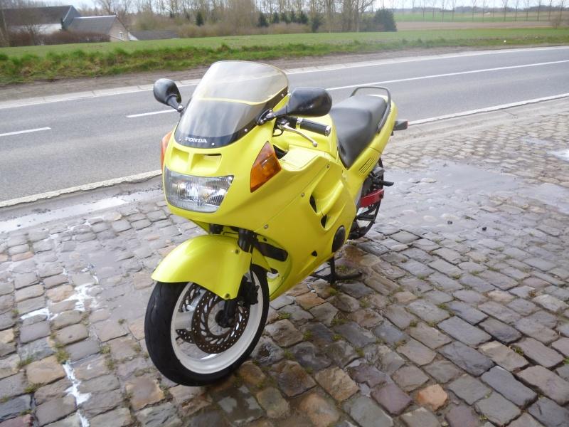 Honda cbr 1000 f2 Moto_010