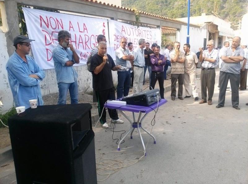 débat public  autour de la décharge de honte d'Aokas  Le Samedi 26 octobre 2013  13959210