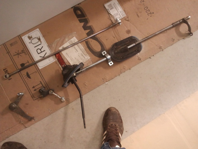 Barre, biellette de vitesse, passage en rotule unibale 6010